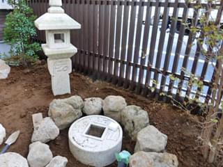 灯篭と手水鉢