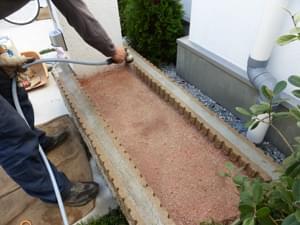 荷物置場も固まる土を