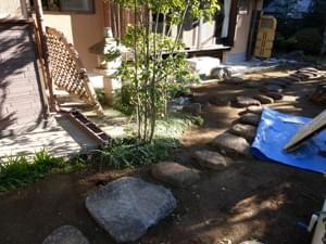 施工前、お庭の入り口部分