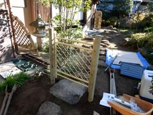 完成した枝折り戸部分