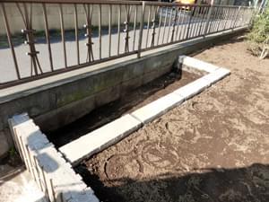 深くまで掘り下げた菜園