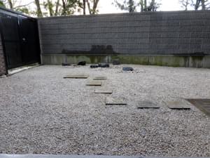 雑草対策工事を終えた専用庭の様子