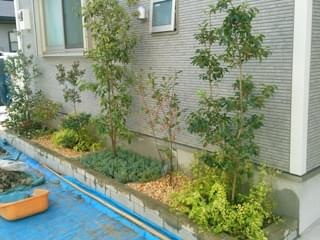 完成した花壇植栽