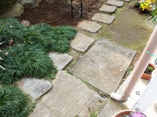 庭への入り口付近