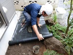 防草シートの施工