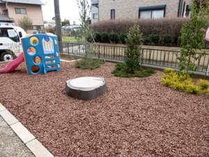 バークチップ敷きによって完成したお庭
