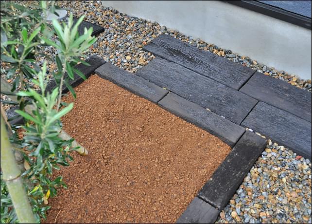 ガーデニング用の花壇は深くまで土壌改良を