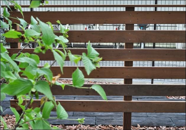 フェンスがもたらす程好い目隠し効果