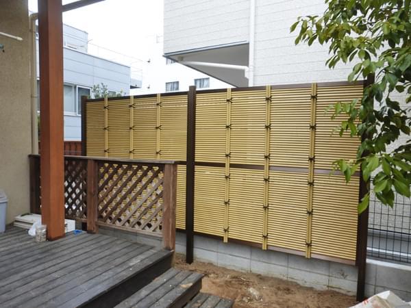 標準サイズを2連結した人工竹垣
