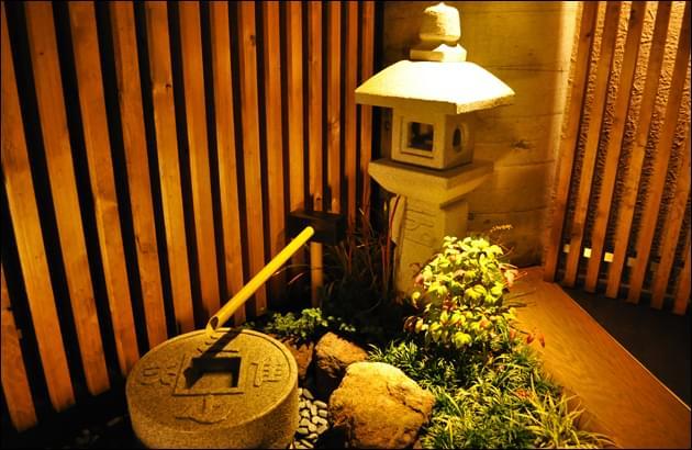 小料理店の店先で応用する坪庭デザイン