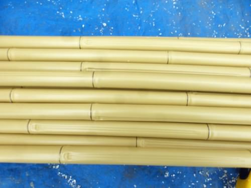 本物の竹と見間違う「人工竹」