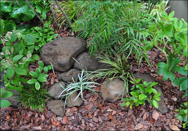 大小を組み合わせた自然石レイアウト