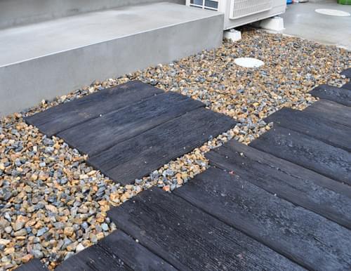 コンクリート枕木を頑丈に設置