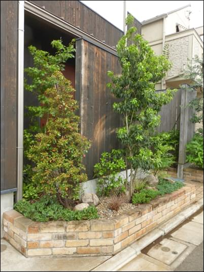 花壇の中での作庭:練馬区S様邸