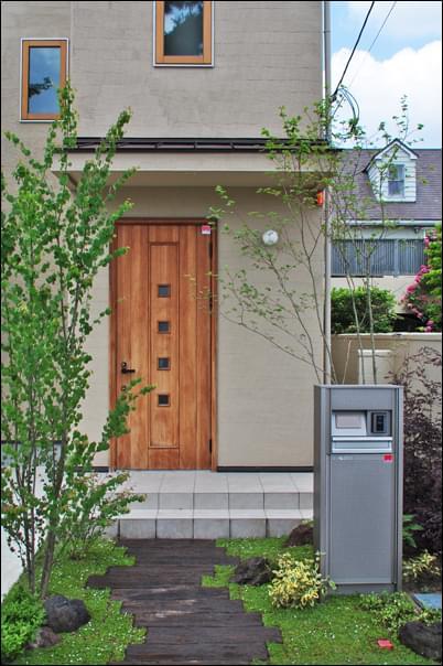 玄関が庭になる、現代の作庭