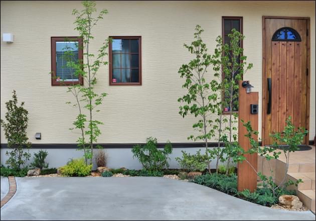 外壁沿いに施す植栽デザイン