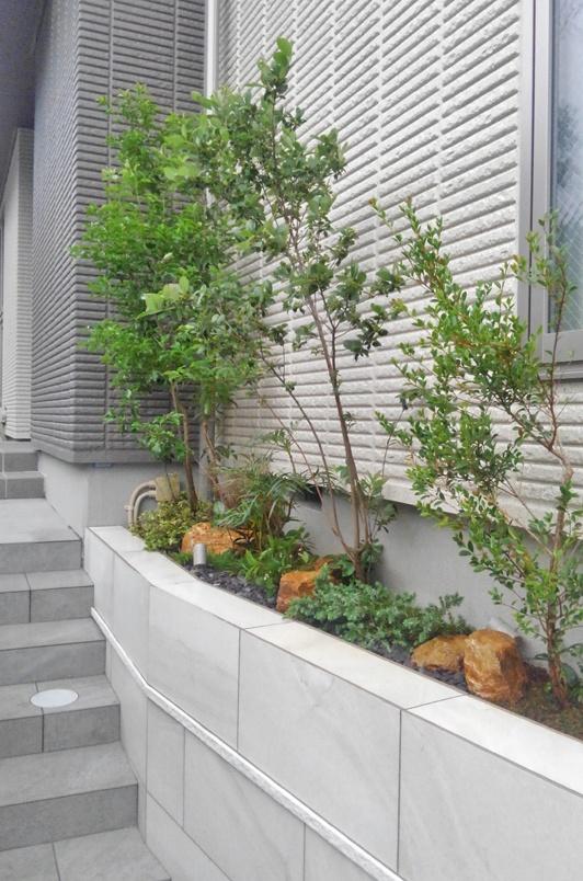 花壇へ施すスモールガーデンデザイン