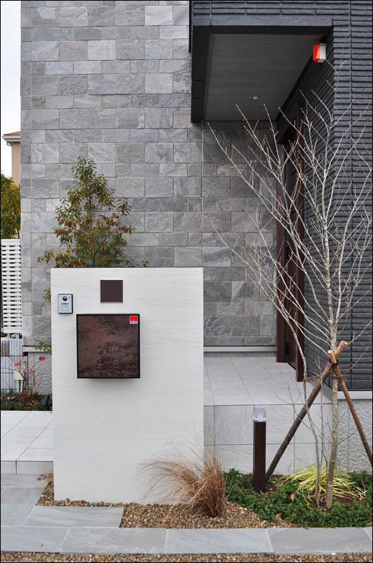玄関周りにおける植栽デザイン