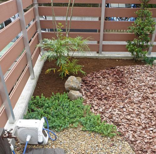 庭デザインの区切りを担う低木