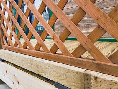 木製ラティスフェンス