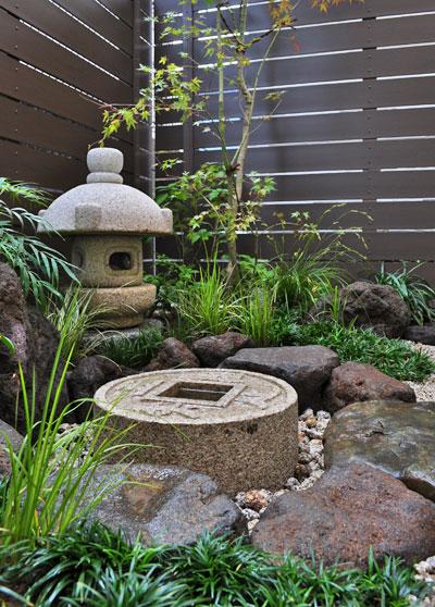 実は日陰向きな和風の庭:浦安市E様邸