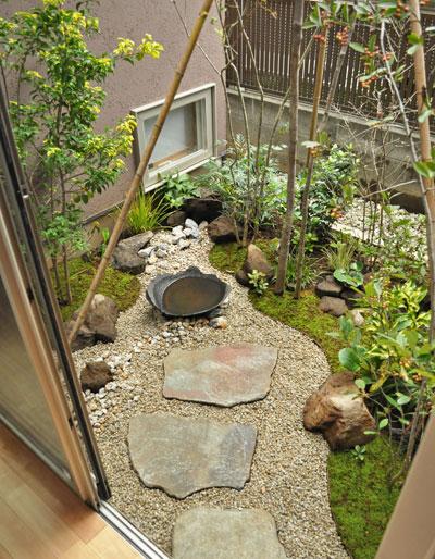 小さな場所を和風の庭に:世田谷区K様邸