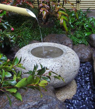 和風の庭の静けさ:足立区O様邸