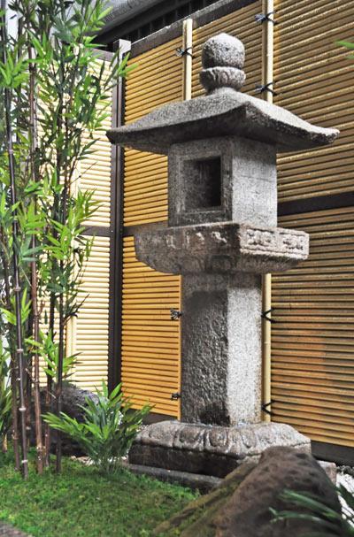 和風の庭が持つ空間美:墨田区オフィスビル