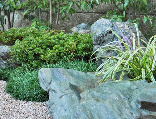 和不の庭に欠かせない庭石