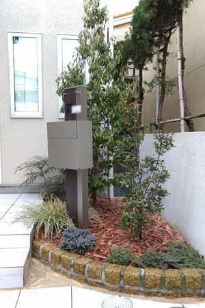 完成した花壇への植栽レイアウト